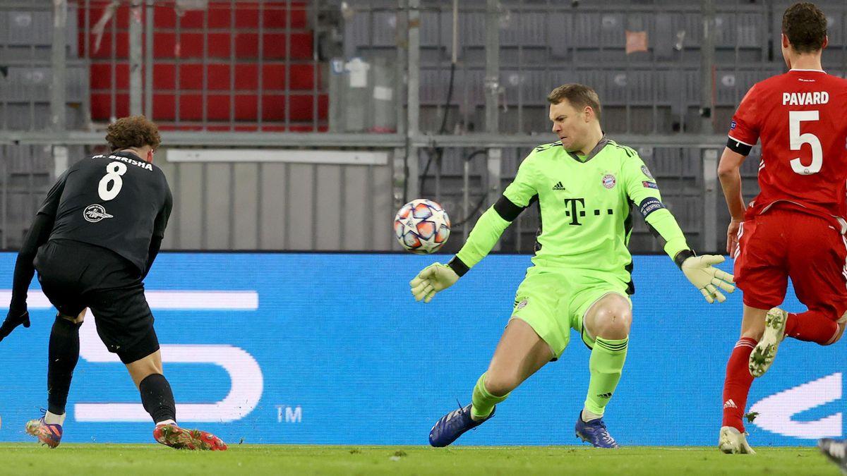 Manuel Neuer pariert start gegen Salzburg