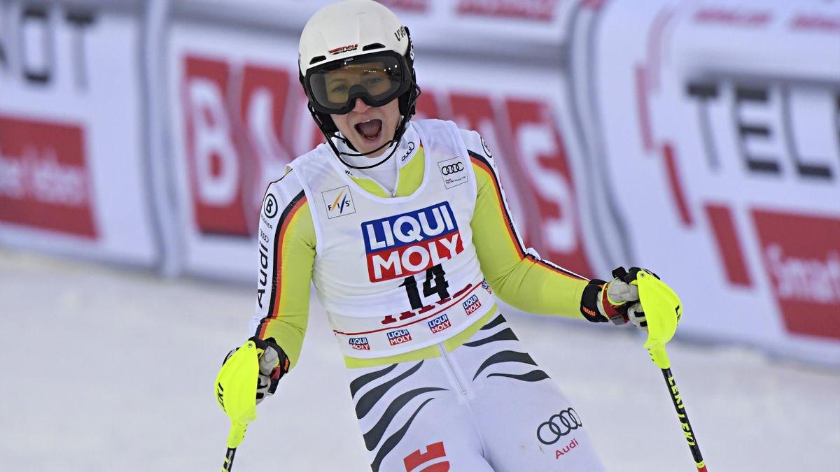 Lena Dürr jubelt im Slalom