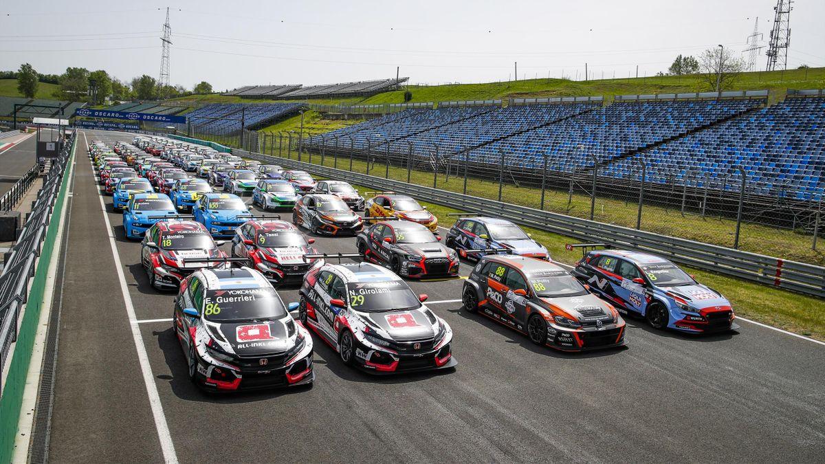 Sok TCR autó :)