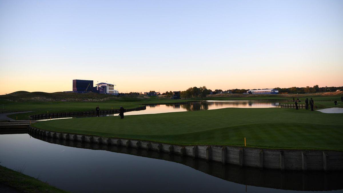 L'eau, omniprésente sur le parcours du Golf National, théâtre de la Ryder Cup 2018.