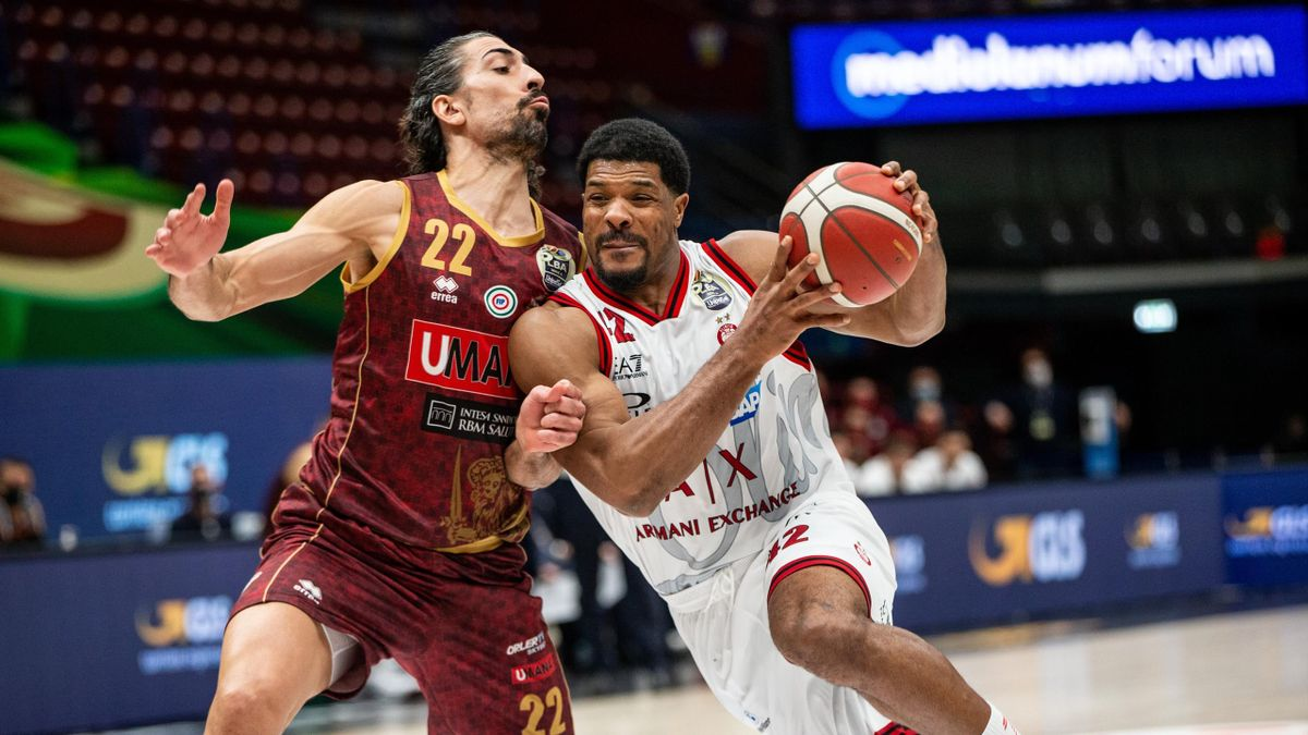 Kyle Hines #42 of AX Armani Exchange Milano and Valerio Mazzola #22 of Umana Reyer Venezia in action during the LBA Frecciarossa Final Eight 2021 match between AX Armani Exchange Milan and Umana Reyer Venezia at Mediolanum Forum on February 13, 2021 in Mi