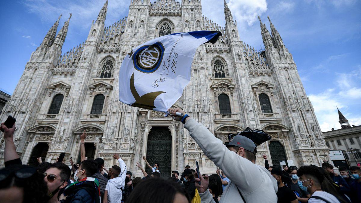 Inter fans celebrate at Piazza Duomo in Milan