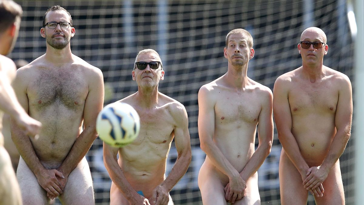Акция «Голый футбол», Эр-Эркеншвик, Германия