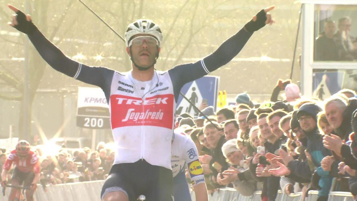 Clycling Nieuwsblad : Jasper Stuyven wins - Finish