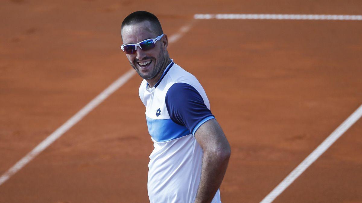 Tennis Adria Tour: Novak Djokovic nice passing shot against Viktor Troicki and his funny reacts to his success