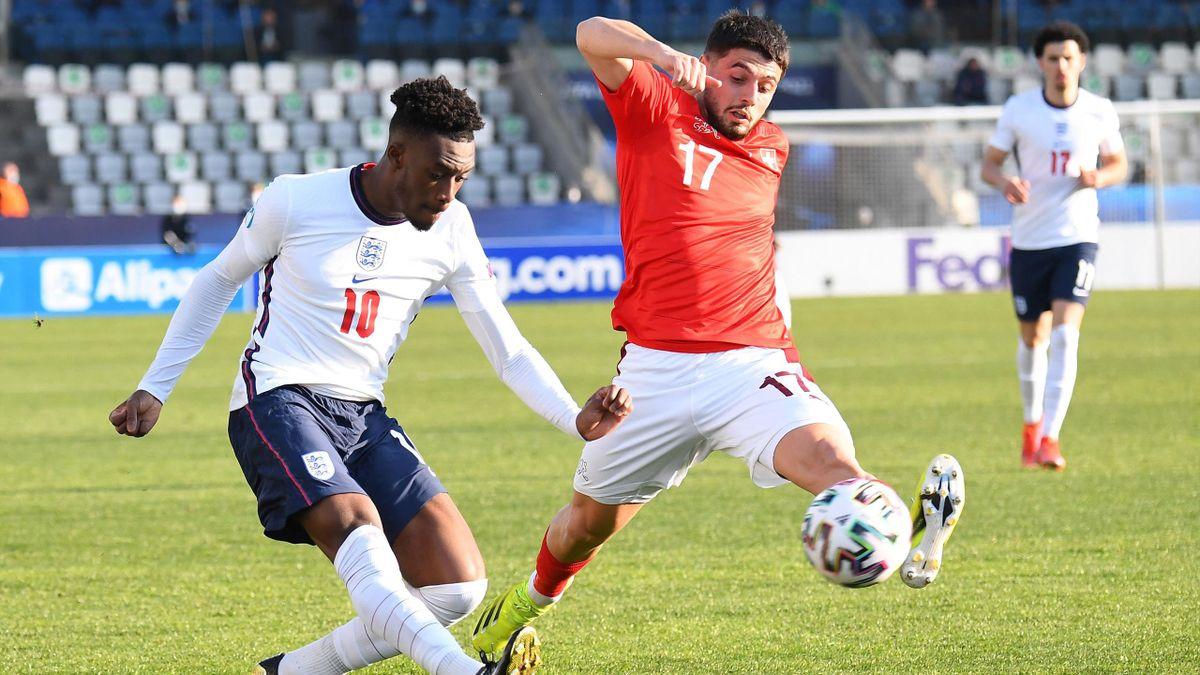 Calllum Hudon-Odoi (l.) von der englischen U21