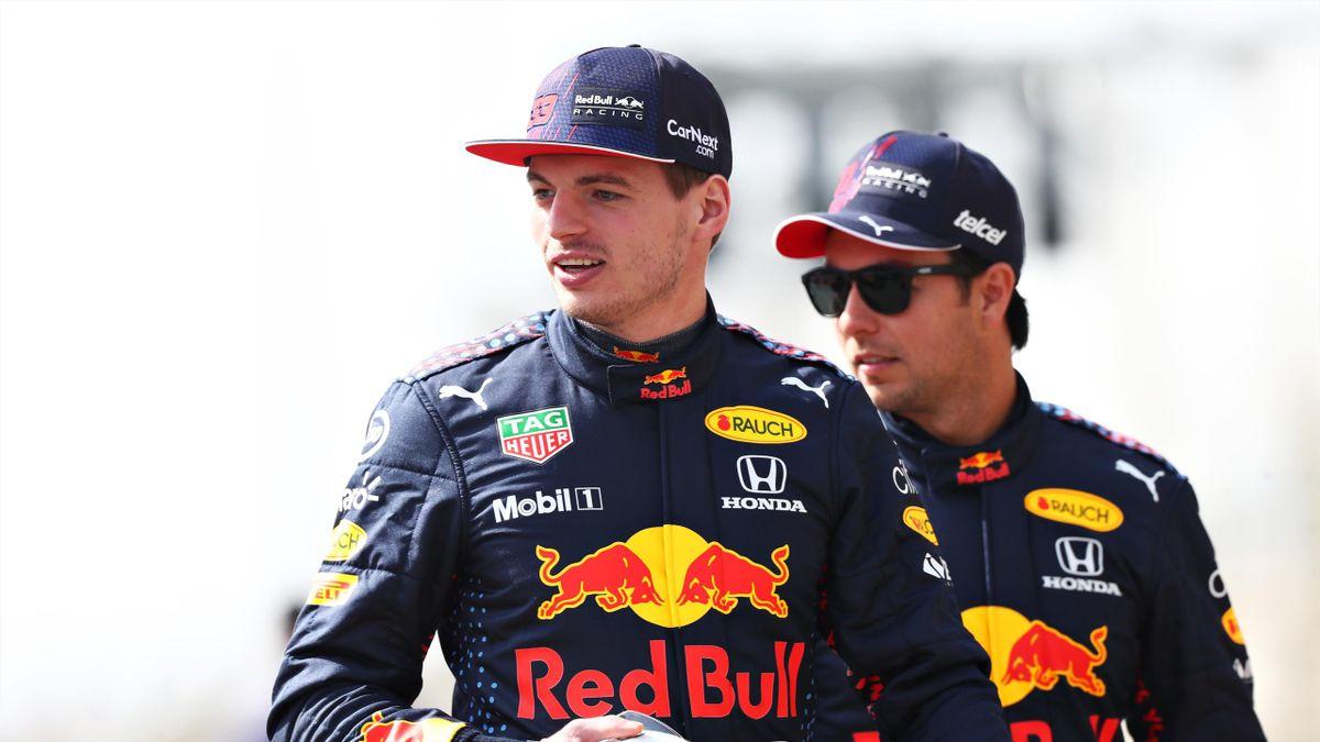 Max Verstappen avec son coéquipier Sergio Perez.