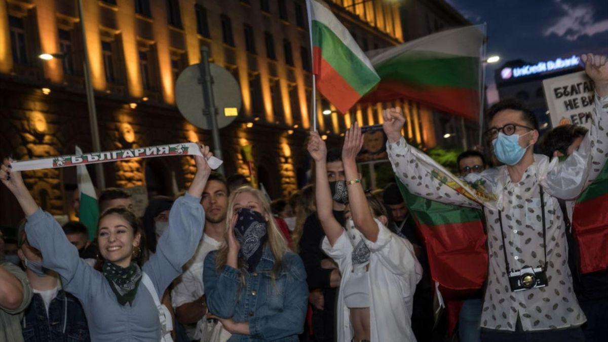 Fanii bulgari se întorc pe stadioane