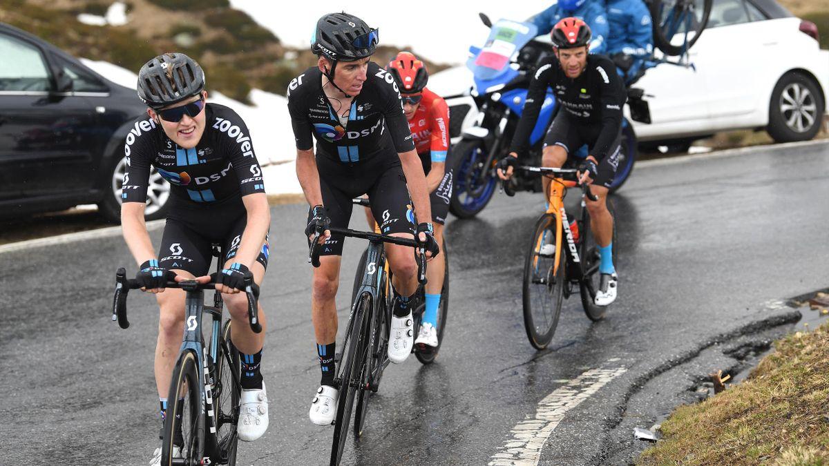 Romain Bardet (DSM) dans la roue de son équipier Storer au cours de la 20e étape du Giro 2021
