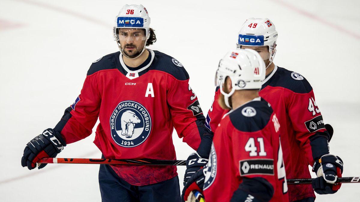 Mats Zuccarello, Christian Kåsastul og Patrick Thoresen under OL-kvalifisering til Beijing 2022 i ishockey mellom Norge og Danmark.