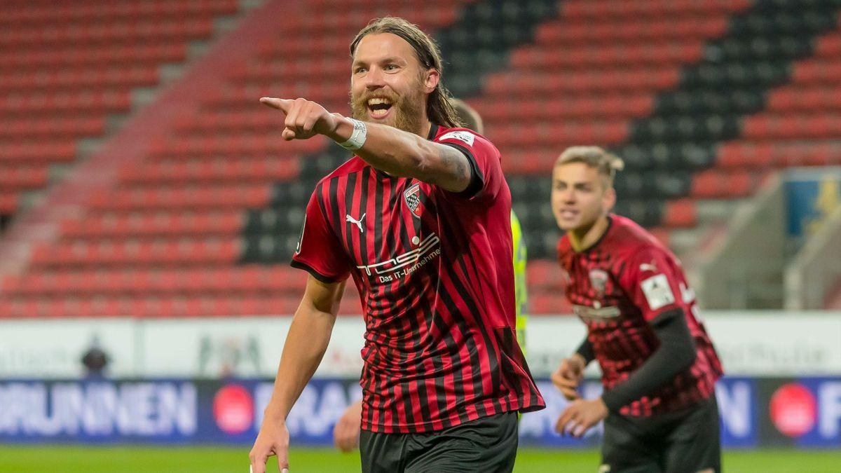 Der FC Ingolstadt jubelt über einen klaren Heimsieg gegen Wehen Wiesbaden