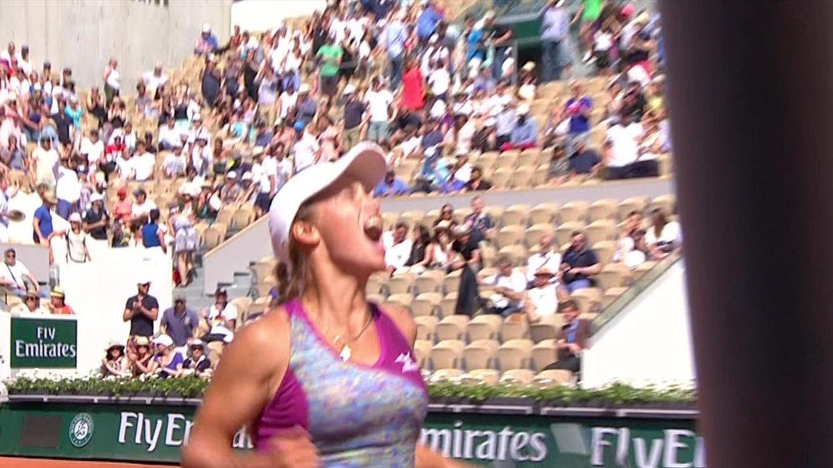 French Open highlights : Strycova v Putintseva