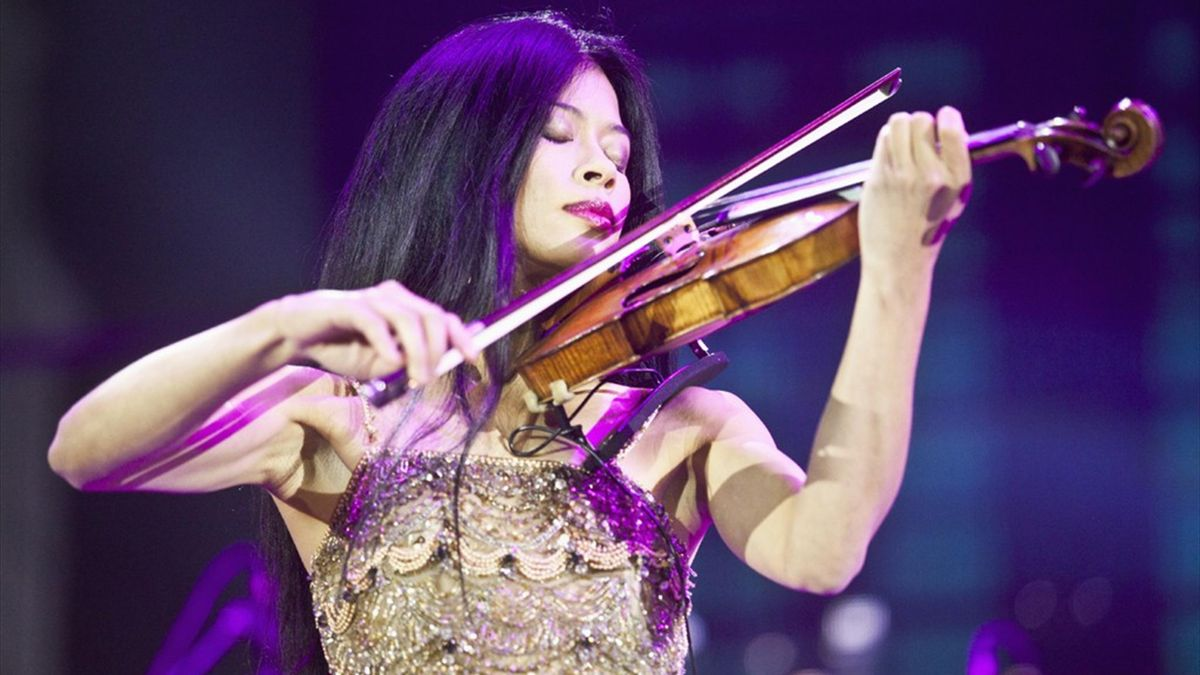 Violinist Vanessa Mae, who has qualified to represent Thailand at the Sochi Games (Reuters)