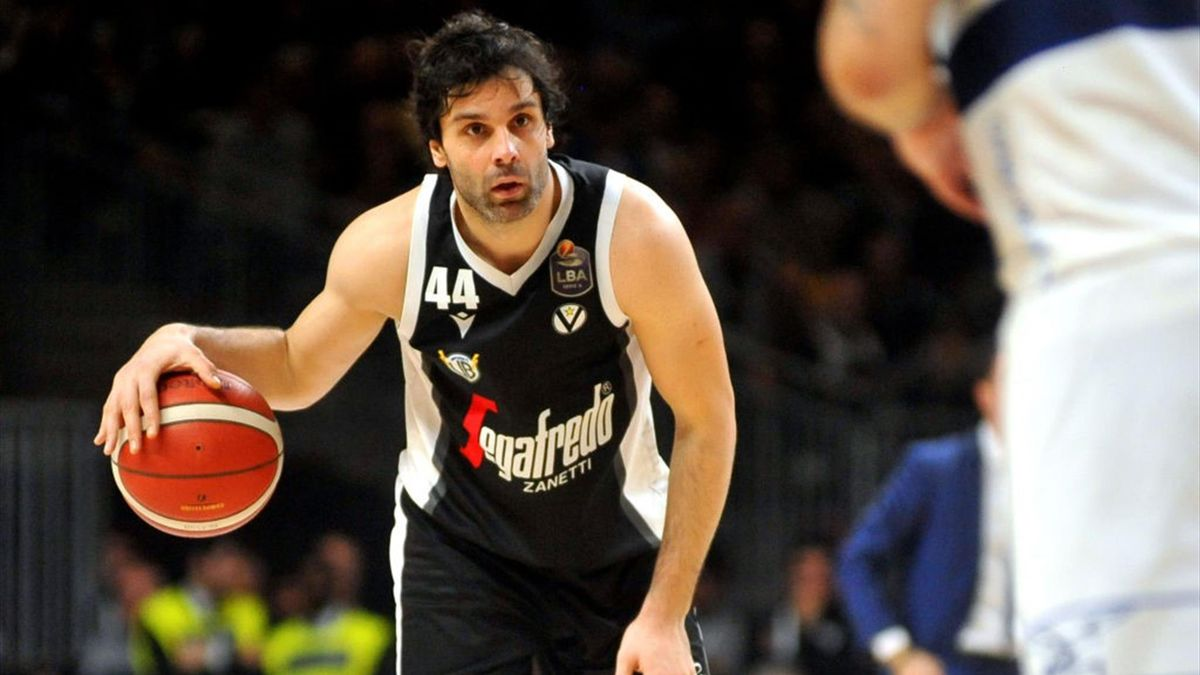 Milos Teodosic of Virtus Segafredo in action during the LBA LegaBasket italian championship of Serie A 2019/2020 match between Virtus Segafredo Bologna and Fortitudo Pompea Bologna at PalaFiera on December 25, 2019 in Bologna, Italy.