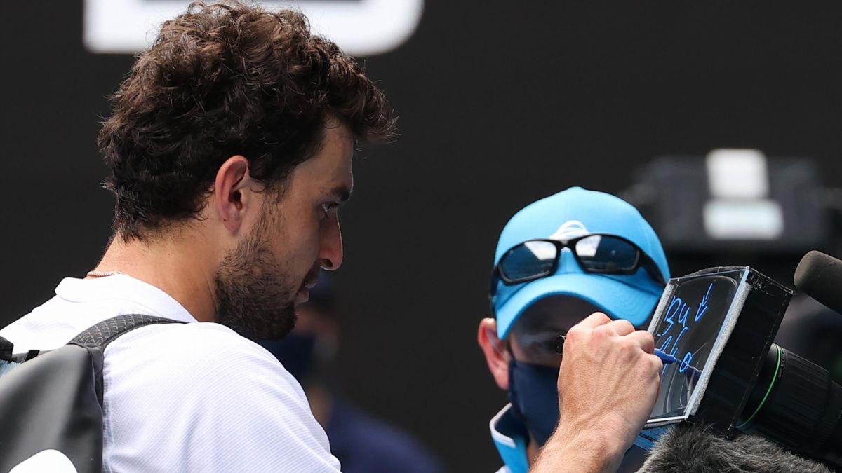 Aslan Karatsev après sa qualification en demi-finale de l'Open d'Australie 2021