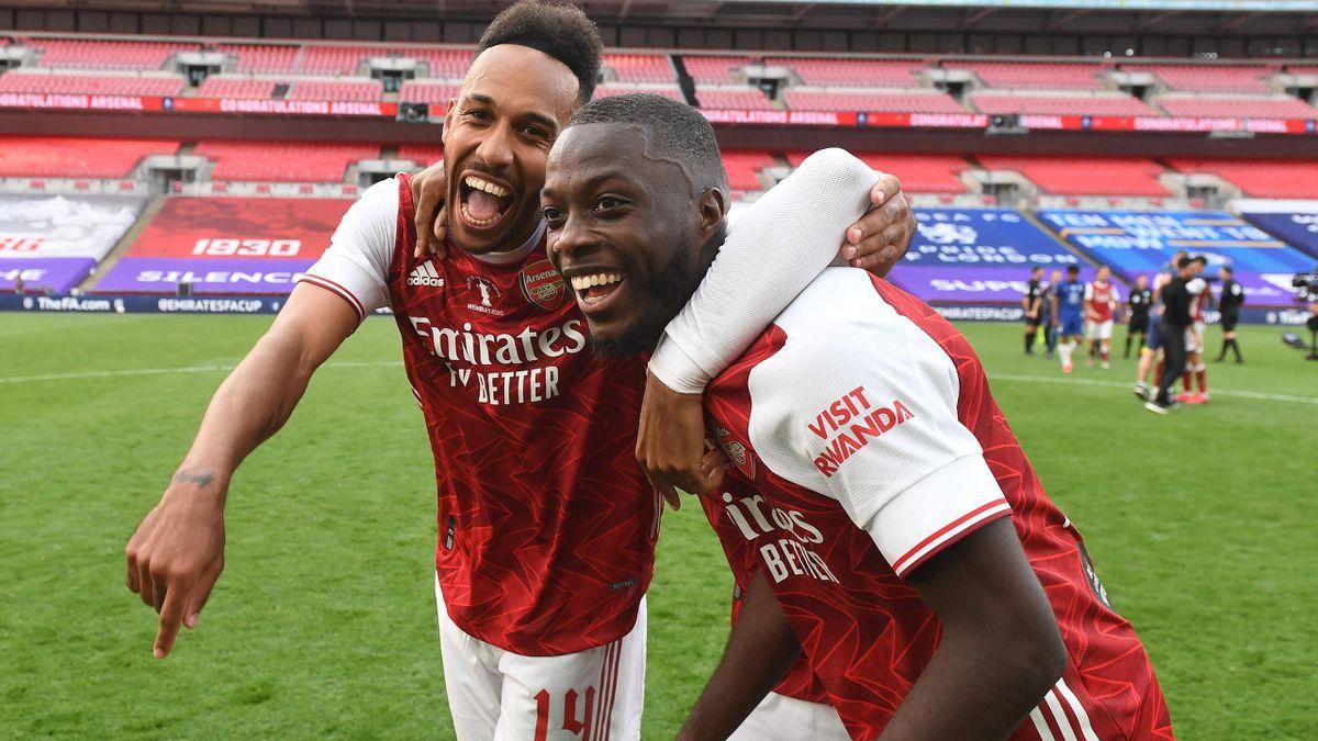 Pierre-Emerick Aubameyang feiert den Pokalsieg mit dem FC Arsenal