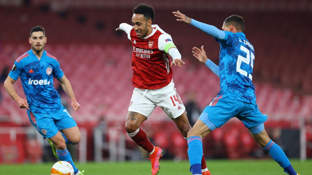 Pierre-Emerick Aubameyang (mitte) und der FC Arsenal stehen im Viertelfinale der Europa League