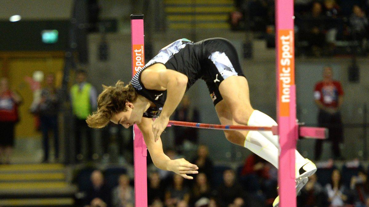Armand Duplantis springt neuen Weltrekord