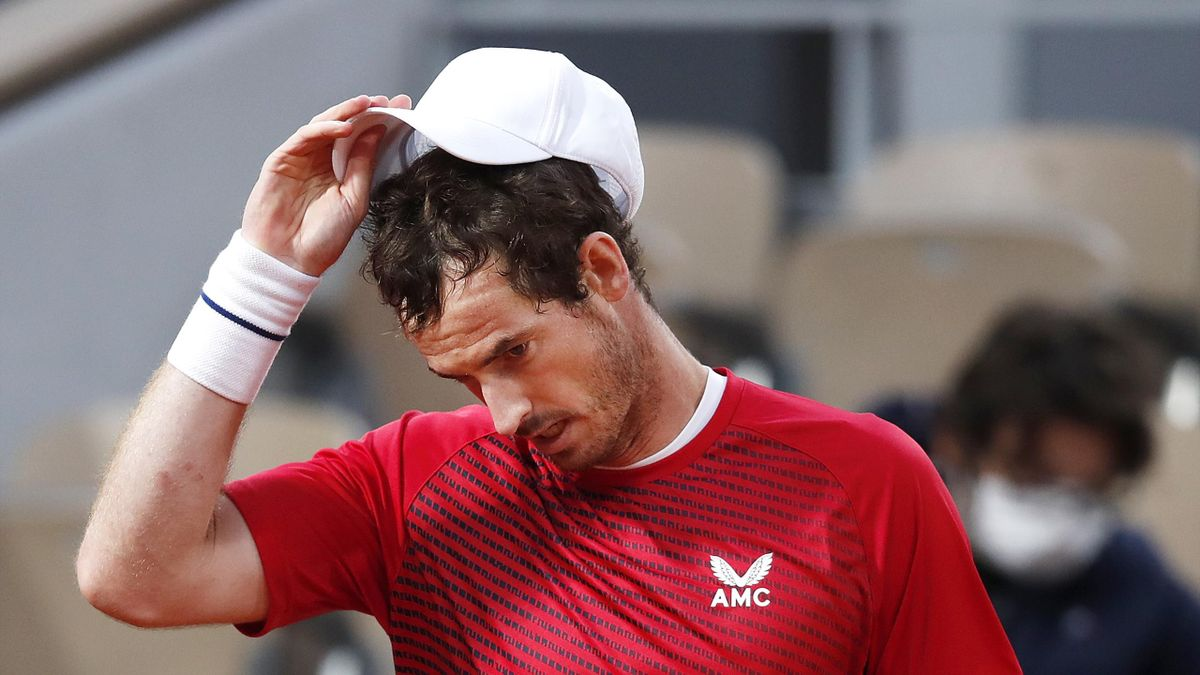 Andy Murray of Great Britain reacts during his Men's Singles first round match against Stan Wawrinka of Switzerland during day one of the 2020 French Open at Roland Garros