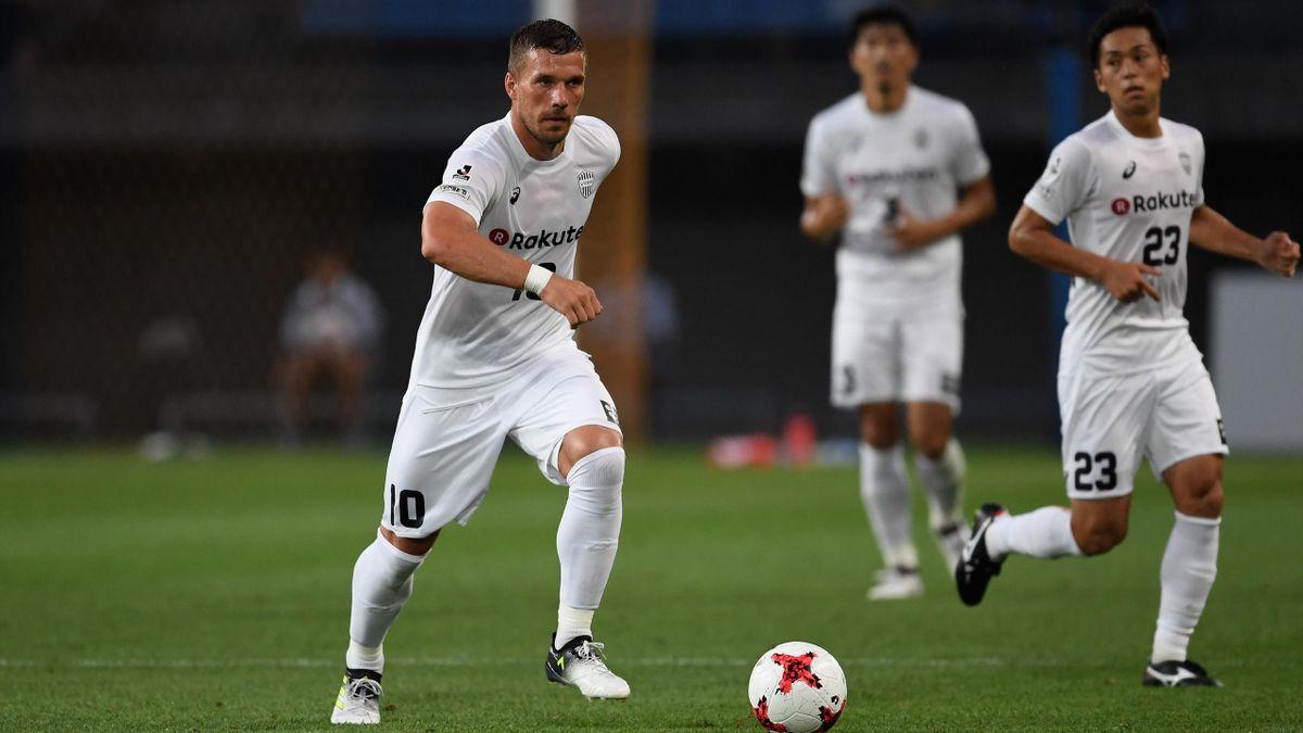 Lukas Podolski, links, am 22. Juli 2017 in Sendai in einem Testspiel mit Vissel Kobe gegen Vegalta Sendai.