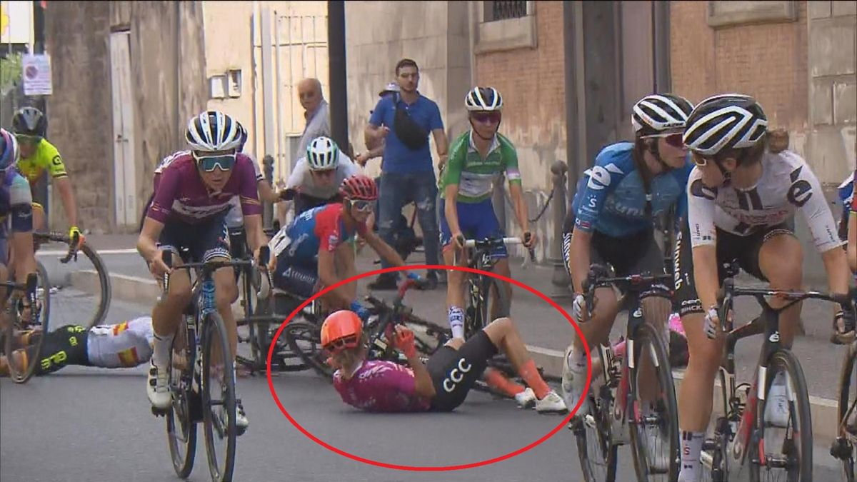 van Vleuten crash - Giro d'Italia 2020, stage 7