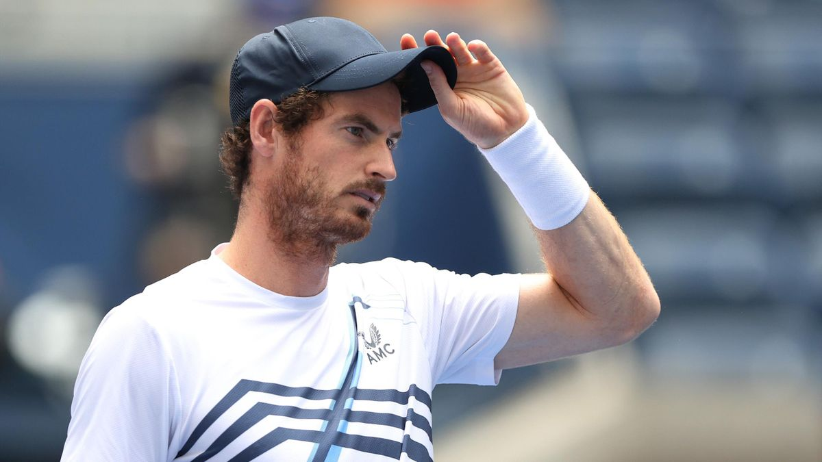 NEW YORK, NEW YORK - AUGUST 30: Andy Murray of United Kingdom warms up against Stefanos Tsitsipas of Greece prior to the start of their men's singles first round match on Day One of the 2021 US Open at the Billie Jean King National Tennis Center on August