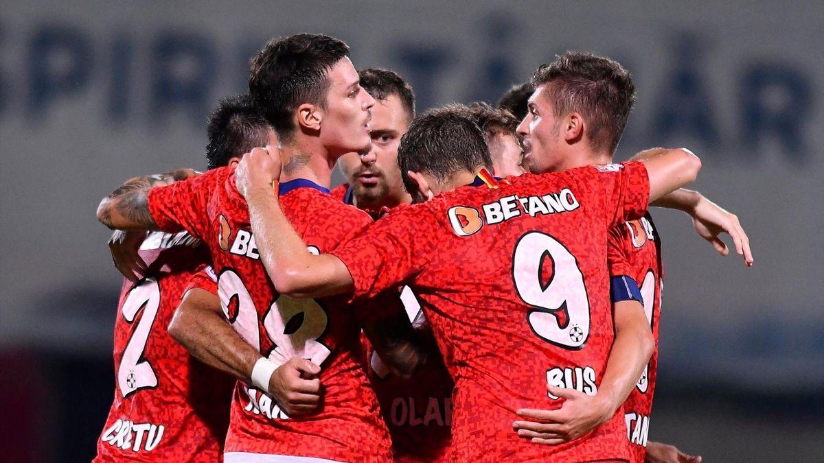 FCSB are un lot de 18 jucători pentru meciul cu Slovan Liberec