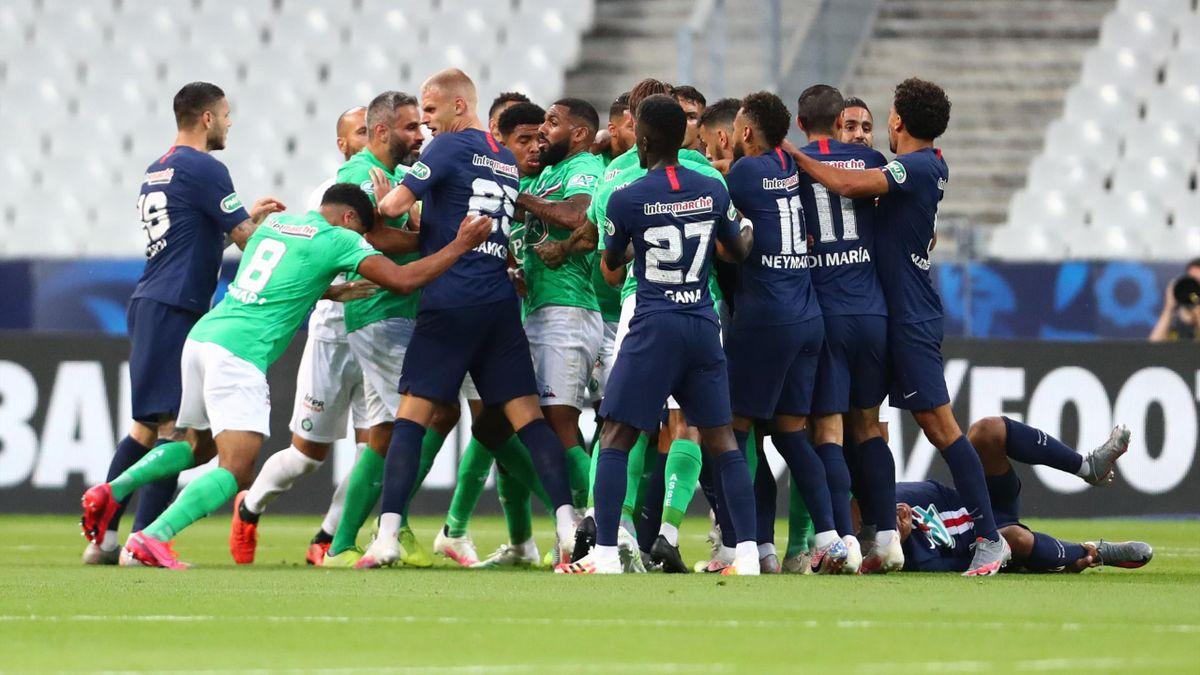Rudelbildung im Pokal-Finale zwischen PSG und St. Etienne