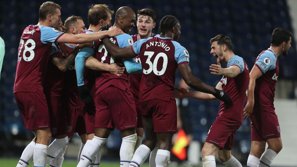 Angelo Ogbonna of West Ham United celebrates with team mates