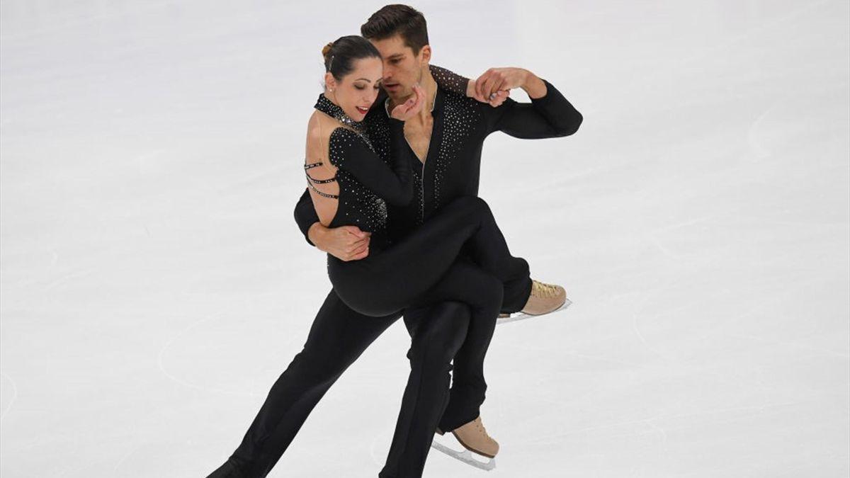 Nicole Della Monica, Matteo Guarise - short program - Rostelecom Cup 2018 ISU Grand Prix of Figure Skating - Getty Images