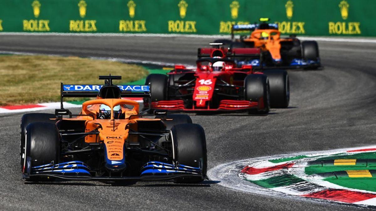 Ricciardo davanti a Leclerc durante il GP di Monza 2021 - Formula 1 Mondiale