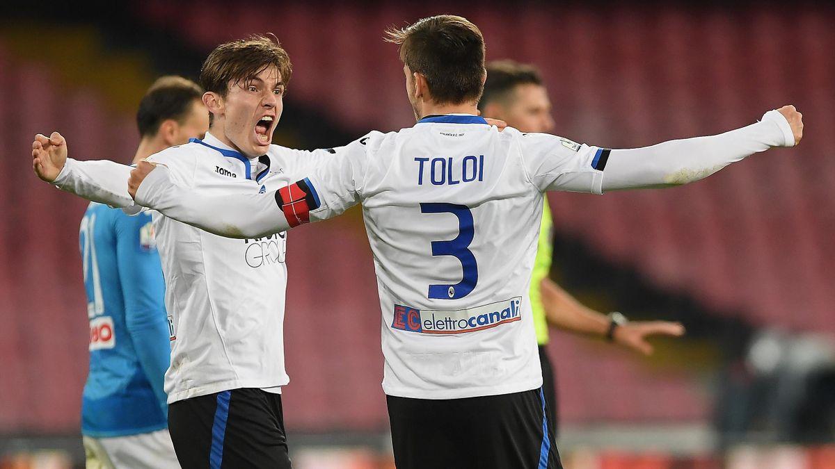 Atalanta celebrate beating Napoli