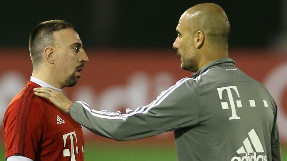 Ribéry (li.) und Guardiola (re.) im Wintertrainingslager in Doha