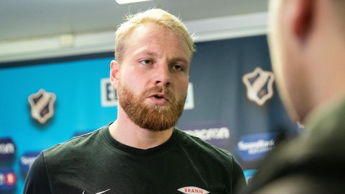 Henrik Kjelsrud Johansen intervjues som Brann-spiller etter Eliteserie-kampen mellom Stabæk og Brann på Nadderud i 2018.