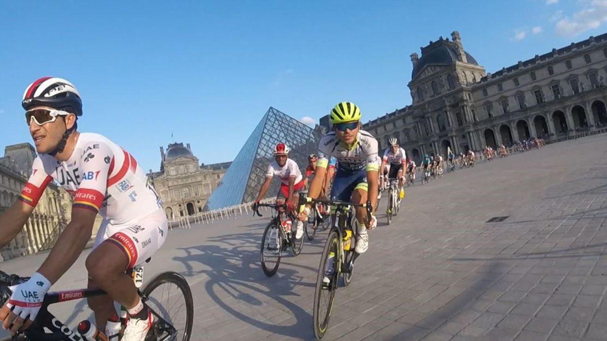 Tour: Onboard Paris