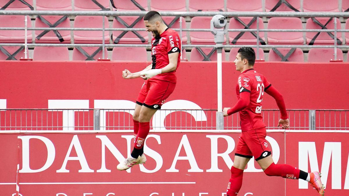 Yassine Benzia (Dijon FCO), buteur sur penalty lors d'un succès 2-0 face à l'OGC Nice en Ligue 1 - 18/04/2021
