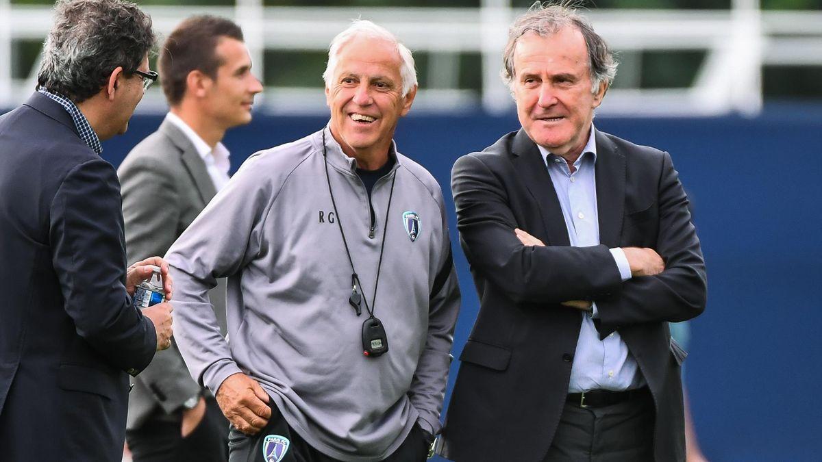 René Girard aux côtés de Pierre Ferracci, le président du Paris FC.