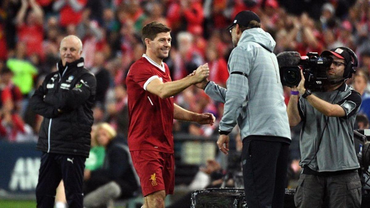 Steven Gerrard, alături de Jurgen Klopp