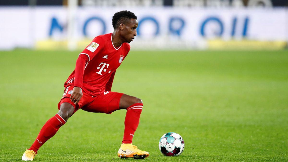 Buona Sarr / FC Bayern München