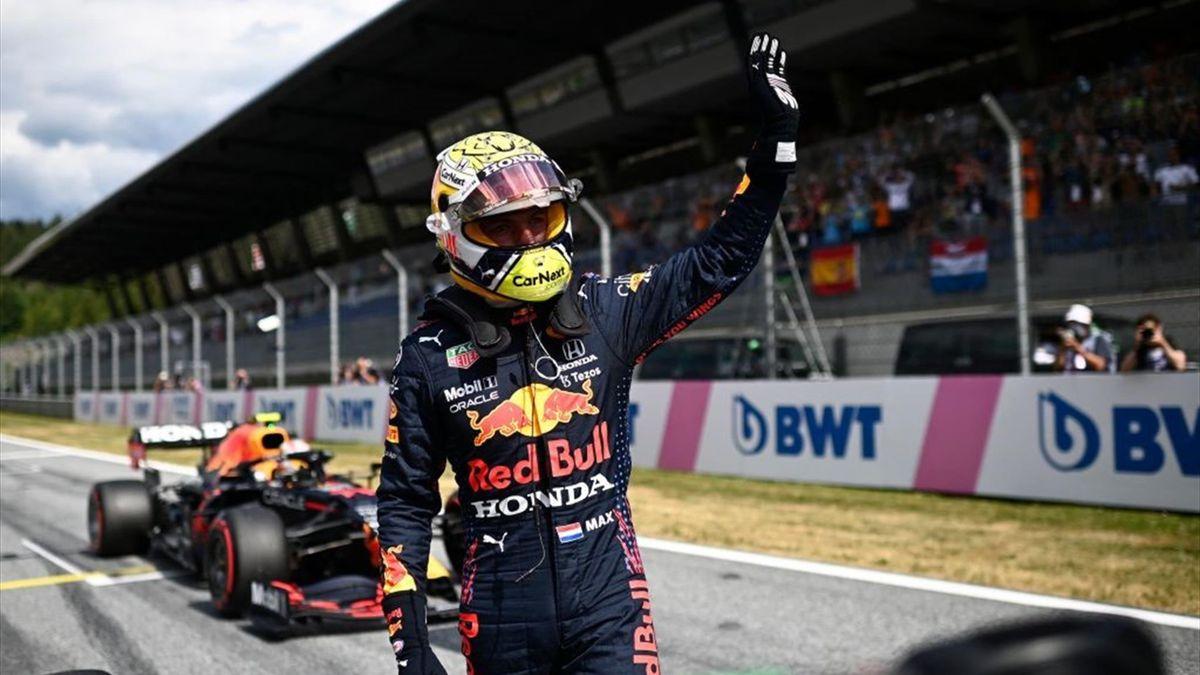 Max Verstappen festeggia la pole position del Gran Premio d'Austria - F1 Mondiale 2021