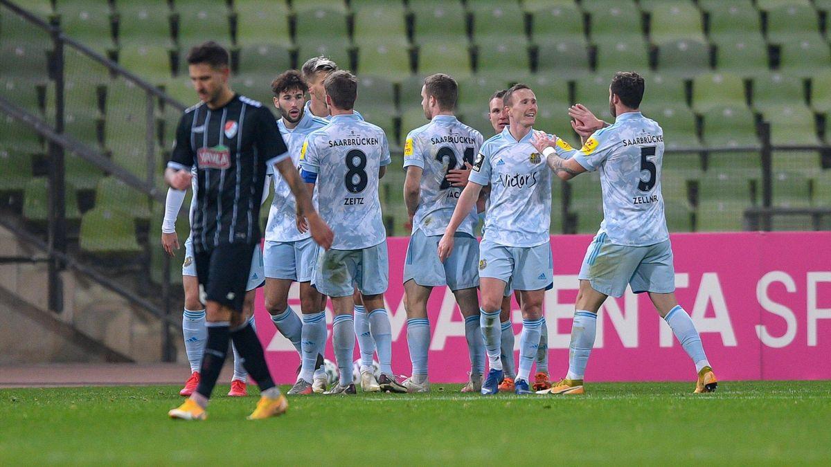 Der 1. FC Saarbücken verteidigt mit einem Remis gegen Türkgücü München die Tabellenspitze in der 3. Liga