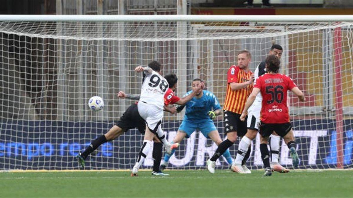 Dennis Man a marcat primul său gol pentru Parma în Serie A în meciul cu Benevento, încheiat 2-2