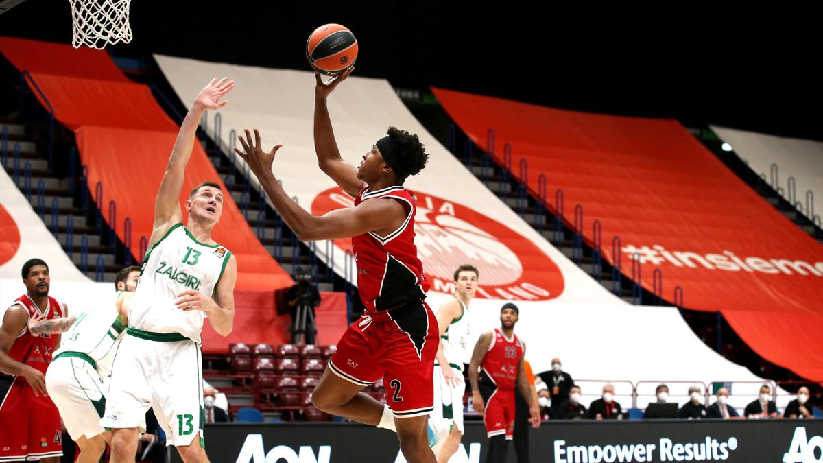 Zach Leday, #02 of AX Armani Exchange Milan competes with in action during the 2020/2021 Turkish Airlines EuroLeague Regular Season Round 10 match between AX Armani Exchange Milan and Zalgiris Kaunas at Mediolanum Forum on November 20, 2020 in Milan