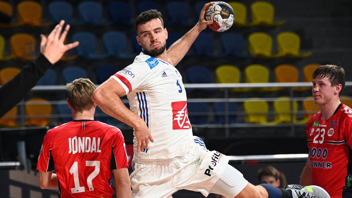 Nedim Remili, l'arrière droit de l'équipe de France.