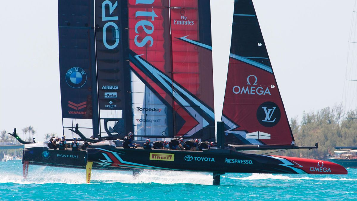 Emirates Team New Zealand and Oracle Team USA start race four during the 35th America's Cup on June 18, 2017, in Hamilton, Bermuda.
