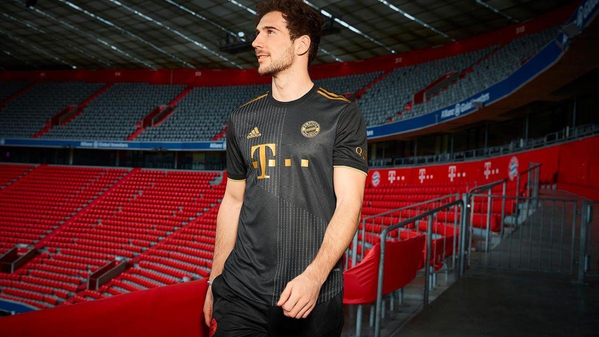 Das neue Auswärtstrikot des FC Bayern München für die Saison 2021/22