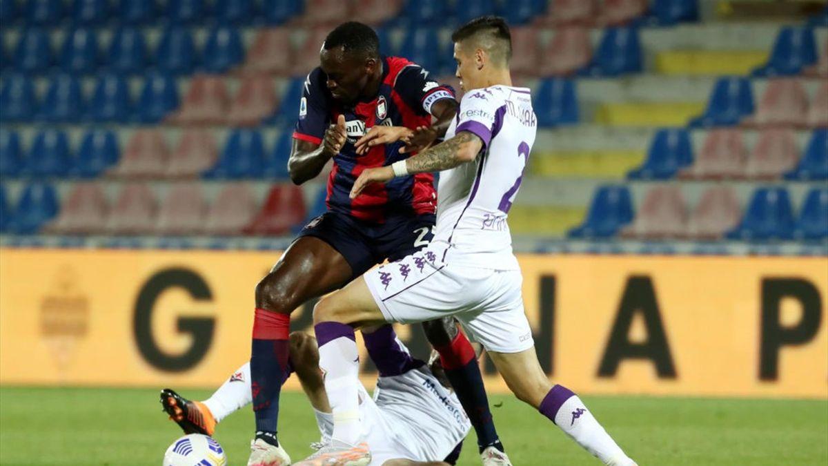 Nwankwo Simy e Martinez Quarta - Crotone-Fiorentina Serie A 2020-21
