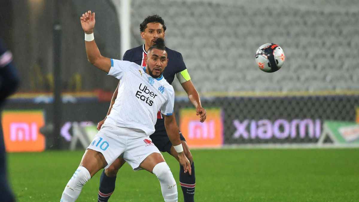 Marseille's French midfielder Dimitri Payet vies for the ball with Paris Saint-Germain's Brazilian defender Marquinhos during the French Champions Trophy