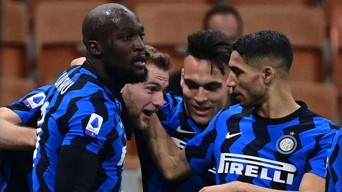 Skriniar a segno in Inter-Atalanta - Serie A 2020/2021 - Getty Images
