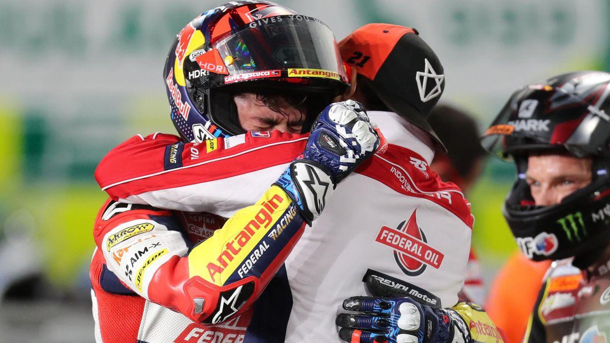 Fabio Di Giannantonio (Gresini Racing) commosso al traguardo dopo il 3° posto ottenuto in Qatar nella prima gara dell'anno in Moto2,
